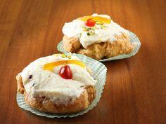 Le sfince di San Giuseppe sono un dolce tipico di Palermo che viene preparato in occasione della Festa del Papà il 19 marzo