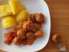 Food Friday on kleinstyle.com : healthy recipes for kids and parents, the whole family : mini meat balls in tomato sauce