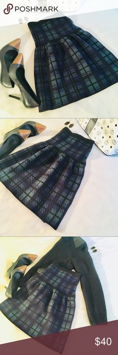 Cynthia Rowley Green Black Plaid Sweater Skirt L Super cute blackwatch window pane plaid skater skirt in shades of green black and blue. Perfect addition to any preppy and stylish wardrobe Cynthia Rowley Skirts A-Line or Full