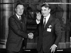 Yhdysvaltojen ja Suomen presidentit George Bush ja Mauno Koivisto ETY-huippukokouksessa Pariisissa marraskuussa 1990. 1990, Georgia, Fictional Characters, Fantasy Characters