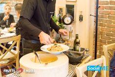 Η εμπειρία του προσωπικού μας θα σου προσφέρει ένα επαγγελματικό και ευχάριστο servis..! #FruttiDiMare #SeaFood #Restaurant #Thessaloniki