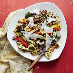 If meatless Monday is part of your weekly menu, try Summer Veggie Salad. Pine nuts and Manchego cheese add protein to the salad. You can swap in less-expensive walnuts and Parmesans, if desired. Vegetarian Grilling, Vegetarian Recipes Dinner, Grilling Recipes, Healthy Recipes, Healthy Grilling, Healthy Eats, Barbecue Recipes, Barbecue Sauce, Healthy Salads