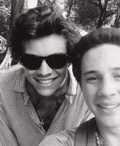Twitter / 1DUpdatesOnline: Harry with a fan in NY yesterday ...