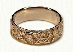 Celtic Thistle Knot with Straight Edges Wedding Band- Shown in Yellow Gold Celtic Thistle Knot mit geraden Kanten Ehering – gezeigt in 14 Karat [. Celtic Wedding Rings, Wedding Bands, Celtic Rings, Celtic Knots, Wedding Rings Online, Schmuck Design, Bracelets, Jewelry Accessories, Bling
