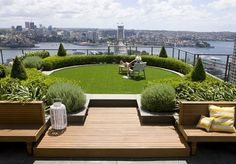 a relaxing space http://www.shelterness.com/50-small-urban-garden-design-ideas-and-pictures/