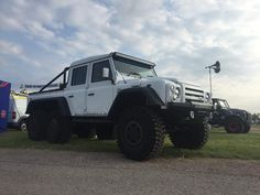 @cskautomotive 6x6 will be on display @hertscountyshow  this weekend #wrap #camo #landrovers #landroverdefender #landroversoflondon #defender90 #defender110 #defender130 #jaguarlandrover #offroad #hunting #fishing #shooting  #lifestyle #outdoors #autobiography #automotive #topgear #celebritycars #luxury #supercar #supercars #london #essex #hertfordshire #unitedarabemirates #dubai by cskautomotive @cskautomotive 6x6 will be on display @hertscountyshow  this weekend #wrap #camo #landrovers…