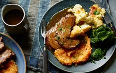 Joe Wicks' roast beef will soon become your go-to for a healthy take on Sunday roast! The carrot and swede mash is a real game-changer. Roast Beef Dinner, Sunday Roast, Roast Beef Recipes, Beef Recipes For Dinner, Joe Wicks Recipes, Lean In 15, Easy Healthy Recipes, Healthy Dinners, Bodycoach Recipes