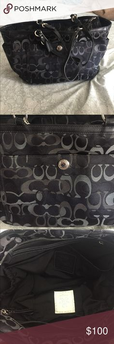 COACH • black diaper bag Authentic COACH diaper bag. It's a perfect 'used' diaper bag. It still has life in it and it will help a lot for a mommy to-be. There are tons of pockets in (8) and out (5) all around. It's still in good used condition, normal signs of wear. Shown in pictures. **Does not include changing pad.** ✨Come from a clean/smoke free home. 10% off if you buy 2+more Bundle. Serious inquiries only and NO trade. Everything is final sale✨ Coach Accessories Bags