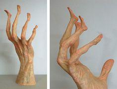 Italian artist Alessandro Boezio playfully remixes human anatomy in his wonderfully creepy sculpture series, Stranatomie. He has more whimsical sculpture Hand Sculpture, Sculptures, Creepy Hand, Creators Project, Weird Dreams, The Uncanny, Hand Art, Italian Artist, Photomontage
