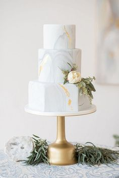 simple elegant metallic wedding cake ideas