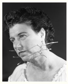 alexander calder - Peggy Guggenheim wearing earings made by Alexander Calder , c. 1942 Peggy Guggenheim wore one Calder earing and one Ives Fanguy to the opening of her New York Gallery Peggy Guggenheim, Alexander Calder, Modern Jewelry, Jewelry Art, Vintage Jewelry, Jewelry Design, Metal Jewelry, Jewelry Ideas, Max Ernst