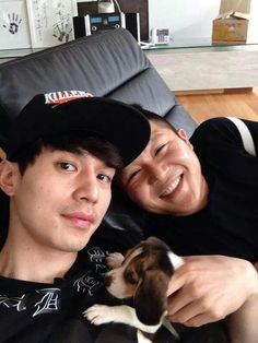 SBS Roommate | Roommates new family member Cucumber with mommies Dong Wook and Seho ♥