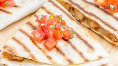 Quesadillas grillées Tortillas, Quesadillas, Empanadas, Waffles, Sandwiches, Bbq, Lunch, Bread, Breakfast