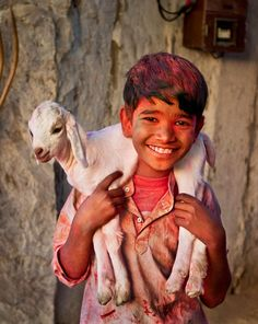 "coisasdetere: "" Photo: Steve McCurry - Young Shepherd during Holi, Rajasthan, India. """