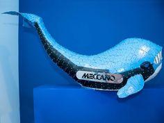Y este mecano de la expo de @loewe es lo más parecido a mí a 7 de enero  En estas fechas entre comer beber y celebrar todo es engordar. #yofati #mecano #blue #madrid #fundacionloewe #ballena #whale by _pablopaniagua