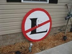 No L (noel) sign - made from the top of an electric spool Electrical Spools, Electrical Wiring, Solar Energy For Home, Wire Spool, Off The Grid, Home Jobs, Christmas And New Year, Solar System, Solar Panels