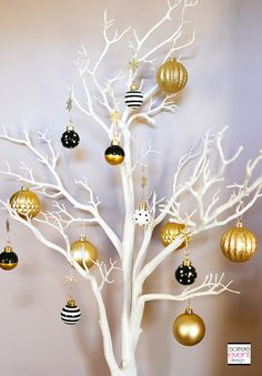 | How to Mix and Match Decor for a Rustic Chic and Modern Glam Christmas! | http://soiree-eventdesign.com
