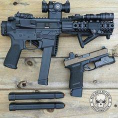 Glock carbine and Pistol Weapons Guns, Guns And Ammo, Rifles, Glock Mods, Glock 9mm, Ar Pistol, Survival, Submachine Gun, Military Guns