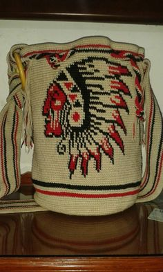 Mochila Crochet, Crochet Tote, Crochet Purses, Knit Crochet, Loom Beading, Beading Patterns, Crochet Patterns, Tapestry Bag, Tapestry Crochet