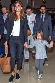 Juliana Awada Classy Outfits, Casual Outfits, Fashion Outfits, Womens Fashion, Looks Chic, Looks Style, Party Mode, Mommy Style, Casual Chic Style