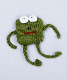 Free Loom Pattern: Loom Knit Frog from Lion Brand Free Loom Patter. : Free Loom Pattern: Loom Knit Frog from Lion Brand Free Loom Pattern: Loom Knit Frog from Lion Brand Loom Knitting Patterns, Free Knitting, Knitting Projects, Crochet Patterns, Knitting Kits, Frog Crafts, Knifty Knitter, Knitted Animals, Textiles