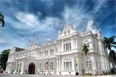 City Hall of Penang - British Colonial architecture Colonial Architecture, Classical Architecture, British Colonial Style, Devon Uk, Empire Style, Southeast Asia, Singapore, Places To Visit, Wanderlust