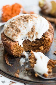Korzenne, wilgotne i przede wszystkim: ekspresowe! Marchewkowe ciasto w kubku to najlepsza propozycja na szybki deser do kawy.