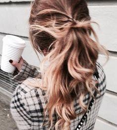 Angela lansbury hairstyle updos hairstyles coiffures,hairstyles for mature women asymmetrical bob with bangs,crown braid natural hair hair braiding ideas for black hair. Hair Inspo, Hair Inspiration, Hair Flip, Style Vintage, Cool Hair Color, Messy Hairstyles, Hairdos, Balayage Hair, Hair Goals