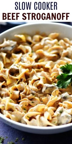 Slow Cooker Beef Stroganoff would make a great addition to your weeknight dinner rotation. It is a simple slow cooker recipe with amazing flavor! This comforting dinner is one the entire family will love! Crockpot Dishes, Crock Pot Cooking, Beef Dishes, Crockpot Meat, Crock Pot Stroganoff, Ground Beef Stroganoff, Simple Beef Stroganoff, Homemade Beef Stroganoff, Beef Stroganoff
