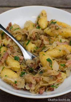 Schupfnudel pan with sauerkraut - Katha-cooks! - Schupfnudel pan with sauerkraut - Lacto Vegetarian Diet, Vegetarian Recipes, Healthy Recipes, Pasta Recipes, Crockpot Recipes, Dinner Recipes, Greek Recipes, Italian Recipes, Food Blogs