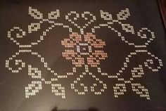 Bargello, Cross Stitch Flowers, Needlework, Diy And Crafts, Embroidery, Ideas, Cross Stitch Embroidery, Seed Beads, Towels