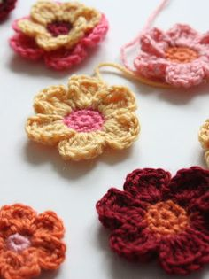 Free How to Crochet a Flower Tutorial | Learning how to crochet a flower has never been easier with this great tutorial.