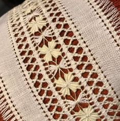Hand Embroidery Designs, Embroidery Patterns, Cross Stitch Patterns, Crochet Patterns, Hardanger Embroidery, Embroidery Stitches, Machine Embroidery, Loom Knitting Stitches, Monks Cloth