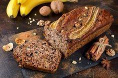 Prøv dette udsøgte bananbrød med honning og kanel - Bedre Livsstil Banana Madura, Banana Bread, French Toast, Food And Drink, Fajitas, Breakfast, Milk And Honey, Rice Milk, Strawberry Refrigerator Cake