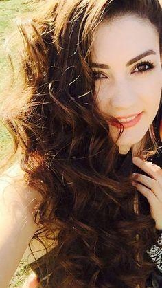 Kıvırcık... Turkish Beauty, Turkish Fashion, Cute Profile Pictures, Girls Dp Stylish, Beauty Full Girl, Turkish Actors, Cute Woman, Beautiful Actresses, Pretty Face