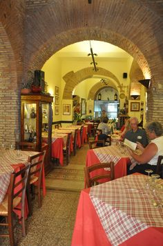 The Dos and Don'ts of Eating in Italy
