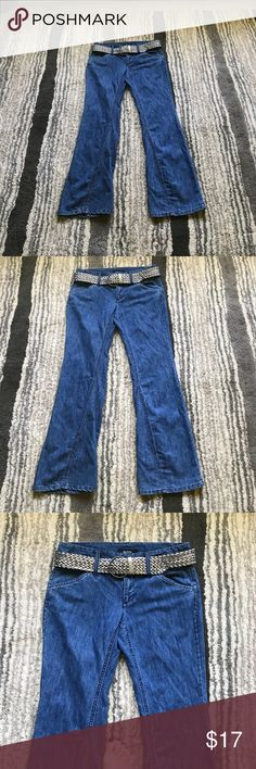 """Daisy Fuentes Jeans with Silver Belt NWOT. So I admit these have been sitting in my closet for years, and I've never worn them! Mid-blue wash with shiny silver belt. Measures at 34"""" waist, 9"""" rise and 32"""" inseam. Bundle and save! Smoke free home. Daisy Fuentes Jeans Flare & Wide Leg"""