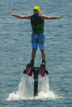 Crazy WaterSports Santorini, Perivolos:   ----Stand-Up Paddleboarding, Parasailing & Paragliding, Boat Tours & Water Sports