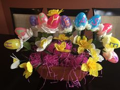 Are you looking for some new Easter centerpieces that look great and are easy to make?