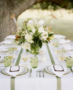 Southern Weddings   Magnolia Leaf Centerpiece I Love White Centerpieces