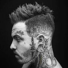Hai Tattoos, Side Tattoos, Body Art Tattoos, Cool Mens Haircuts, Cool Hairstyles For Men, Men's Haircuts, Men's Hairstyles, Rose Tattoos For Men, Tattoos For Guys