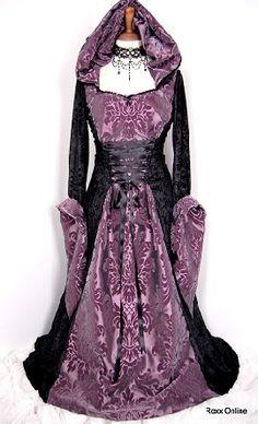 Purple and black wedding dresses for December elopement - a bit 'medieval' for me Renaissance Costume, Medieval Costume, Renaissance Clothing, Medieval Fashion, Narnia, Fashion Fantasy, Steampunk Fashion, Gothic Fashion, Vintage Dresses