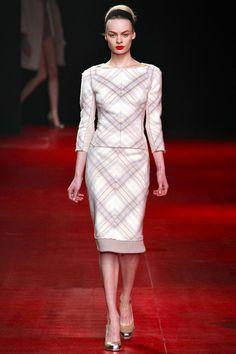 Nina Ricci | AW13 ¡Qué maravilla, yo sé que podría hacerlo con un buen patrón y una excelente máquina!... #ConcursoSingerChile.