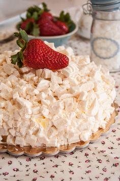 meringata-semifreddo Italian Desserts, Italian Recipes, Cooking For Dummies, Torte Cake, Pavlova, Trifle, Culinary Arts, Something Sweet, Coffee Break