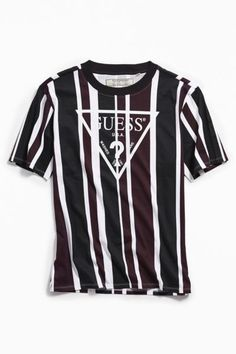 Shop GUESS UO Exclusive Rexford Striped Tee at Urban Outfitters today. We carry all the latest styles, colors and brands for you to choose from right here. Guess Jeans, Camisa Guess, Guess Clothing, Running Clothing, Men's Clothing, Streetwear, Striped Tee, Mens Clothing Styles, Mens Tees