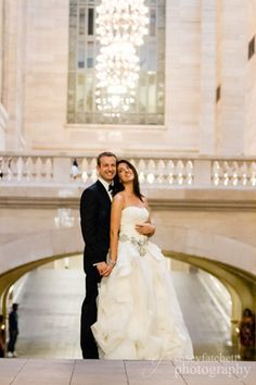 bride and groom in Grand Central Terminal, New York #NYC