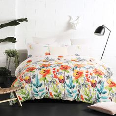Beautiful bedding that just evokes memories of spring and summer from Vaulia. Click through for more gorgeous and affordable duvet covers to refresh a bedroom on a budget!