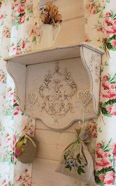 Love the shelf,rose wallpaper