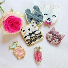 Petit aperçu de mes tissages en Brick Stitch. ☺️ Lapins visibles en boutique…