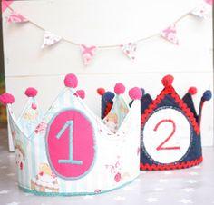 Convierte al peque de la casa en el príncipe o la princesa el día de su cumpleaños con una corona como esta.